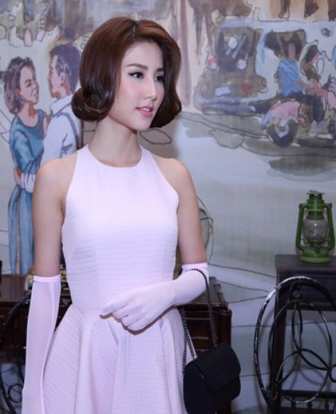 Dàn sao diện đồ thập niên 1950 dự tiệc cưới Ngân Khánh
