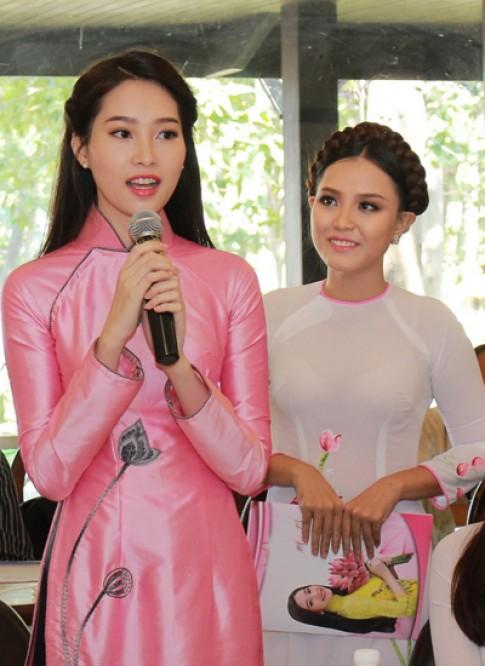Đặng Thu Thảo tham dự lễ hội 'Áo dài và hoa'