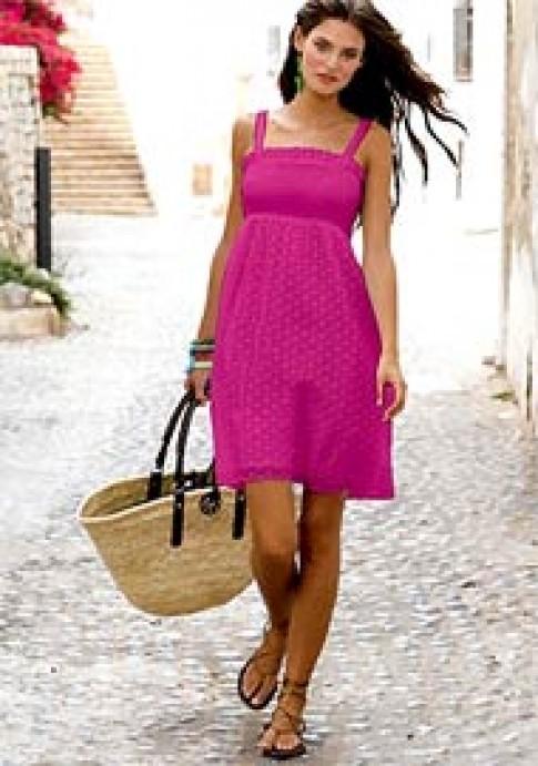 Dạo phố với váy hè