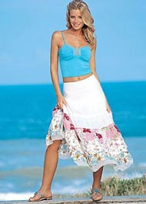 Đi biển với váy nhún bèo