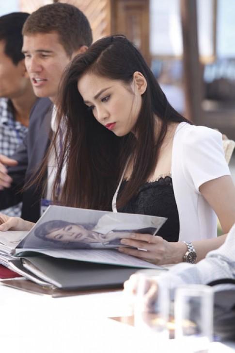 Diễm Hương làm giám khảo cuộc thi người mẫu