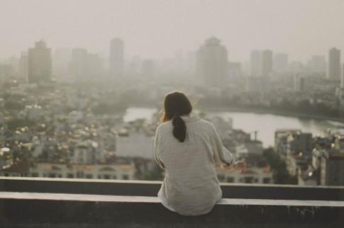 Đôi lúc nên ngừng chờ đợi một ai đó, và cố gắng sống tốt hơn!