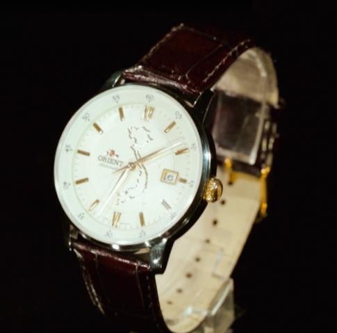 Đồng hồ kỷ niệm 40 năm thống nhất đất nước của Orient