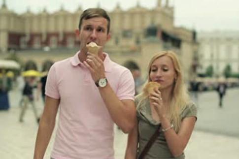 Du khách trả 64 euro cho 4 cây kem ốc quế