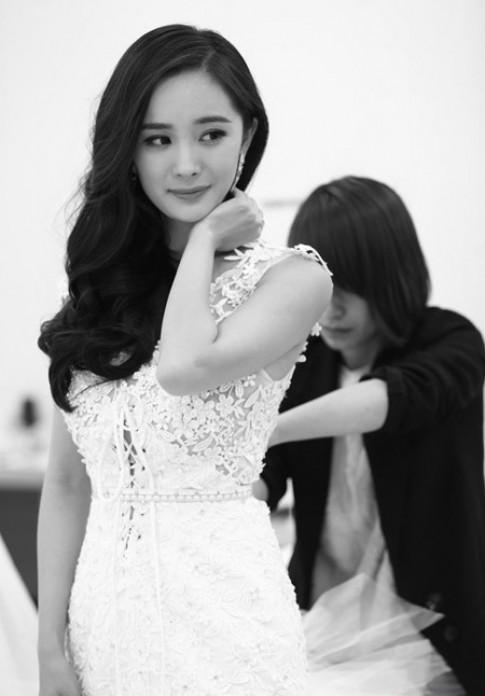 Dương Mịch xinh đẹp với váy cưới