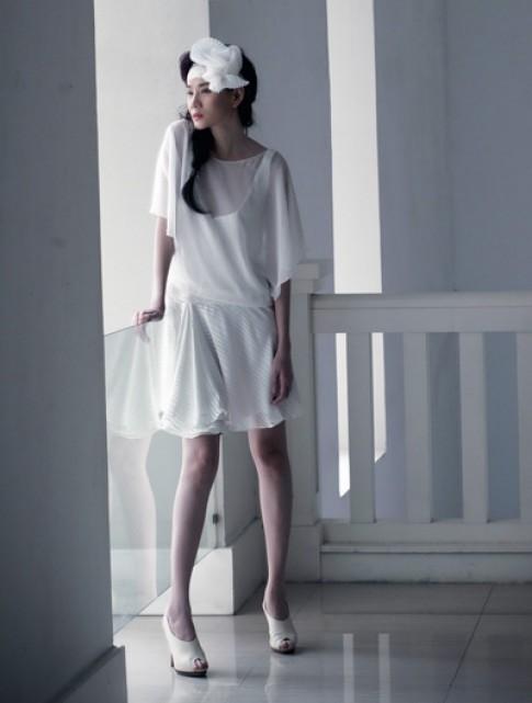 Dương Yến Ngọc mong manh sắc trắng