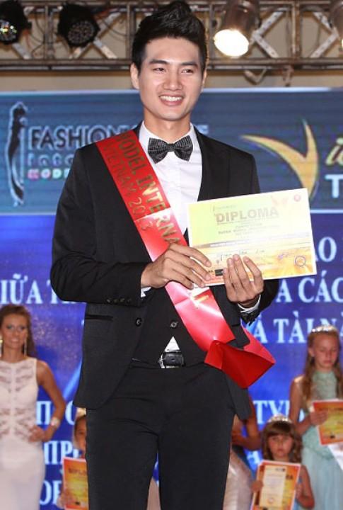 Duy Linh đoạt giải tại cuộc thi 'Model and Talent'
