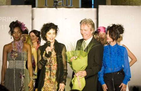 Evita Peroni trình diễn thời trang tại Hy Lạp