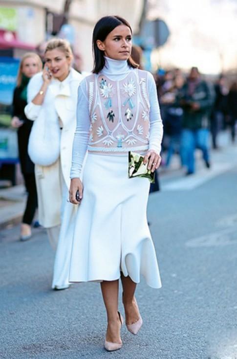 Fashionista khoe cá tính với trang phục đính phụ kiện