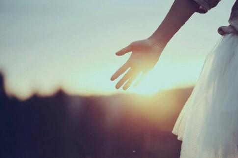 Giá mà khi biết mình bị lừa dối, ta có thể hận nhiều như khi ta yêu...