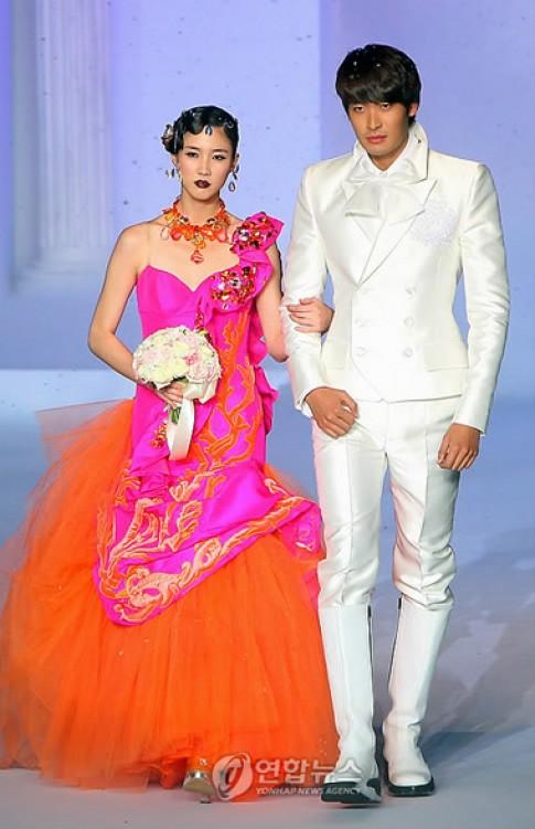 Giai nhân, tài tử xứ Hàn trong áo cưới Andre Kim