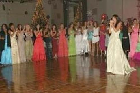 Giáng sinh sớm cho các hoa hậu