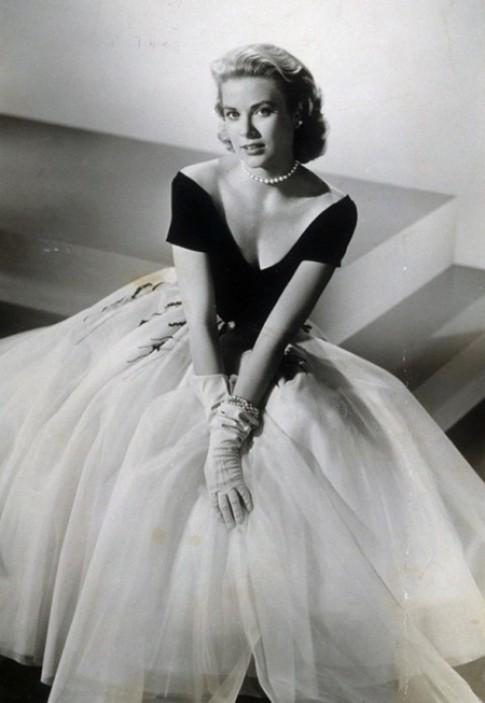 Grace Kelly - biểu tượng thanh lịch những năm 1950