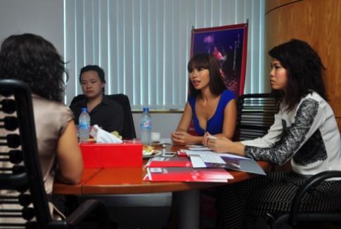 Hà Anh làm giám khảo cuộc thi thiết kế đồ lót