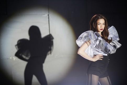 Hà Hồ đầu tư 12 trang phục cho MV mới