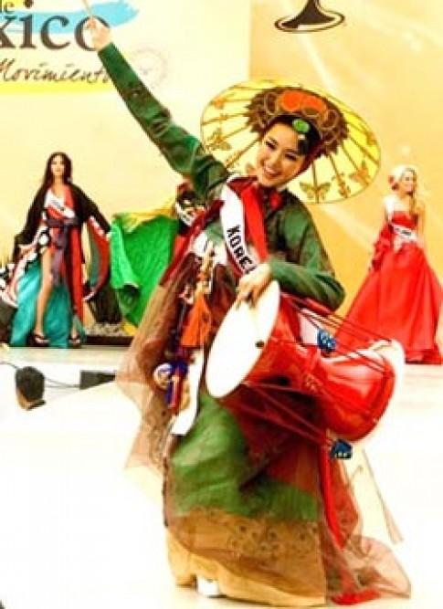 Hàn Quốc giành giải trang phục dân tộc tại Miss Universe