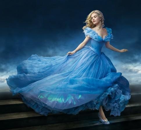 Hậu trường thiết kế trang phục kỳ công của 'Cinderella'