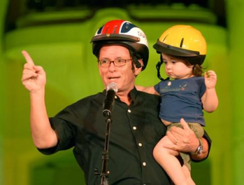 Hình ảnh đêm nhạc hội thời trang mũ bảo hiểm