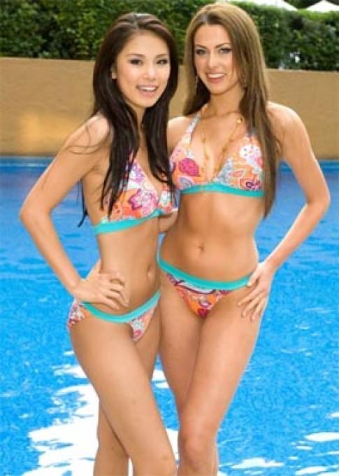 Hình ảnh người đẹp bên bể bơi