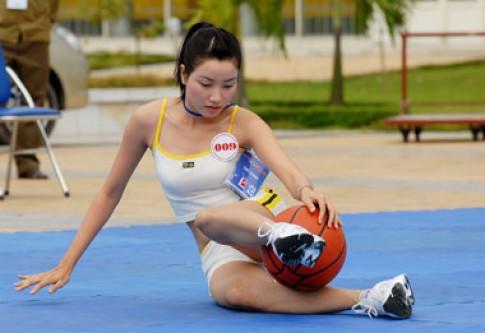 Hình ảnh người đẹp thi năng khiếu thể thao