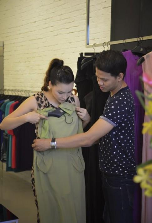 Hồ Quỳnh Hương làm manơcanh thời trang
