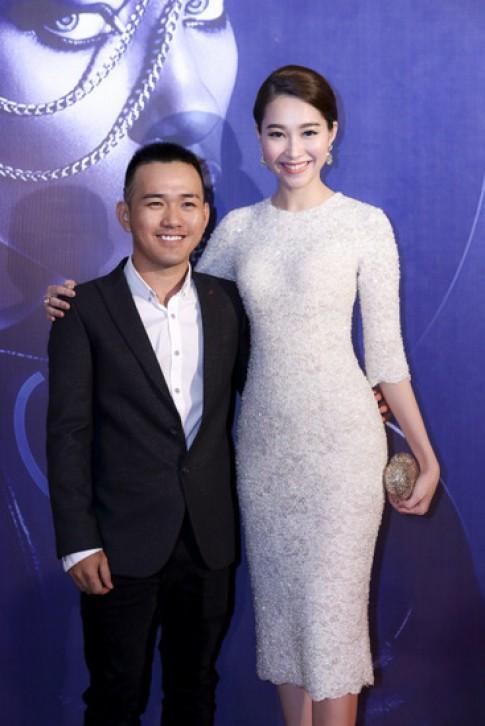 Hoa hậu, Á hậu hội tụ trên thảm đỏ tuần thời trang