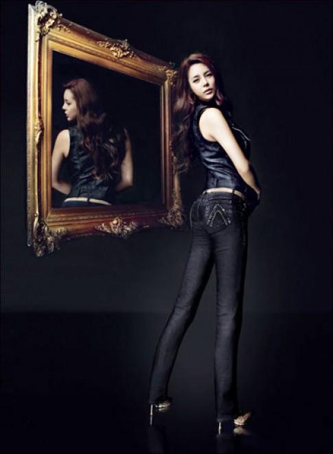 Hoa hậu Hàn Quốc 2000 cá tính với jeans