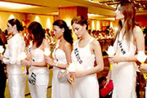 Hoa hậu Hoàn vũ tưởng niệm bệnh nhân HIV
