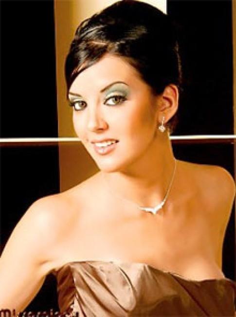 Hoa hậu Mexico giành giải Miss Cyber Press