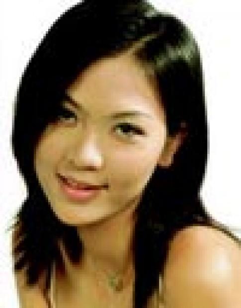 Hoa hậu Phan Thu Ngân vừa học vừa kinh doanh