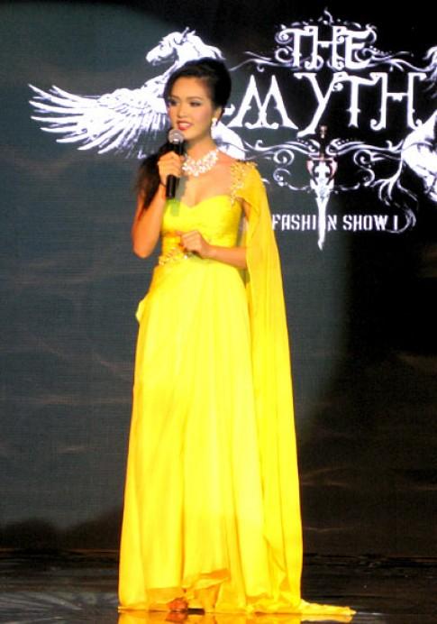 Hoa hậu, siêu mẫu hội tụ trong đêm 'Thần thoại'