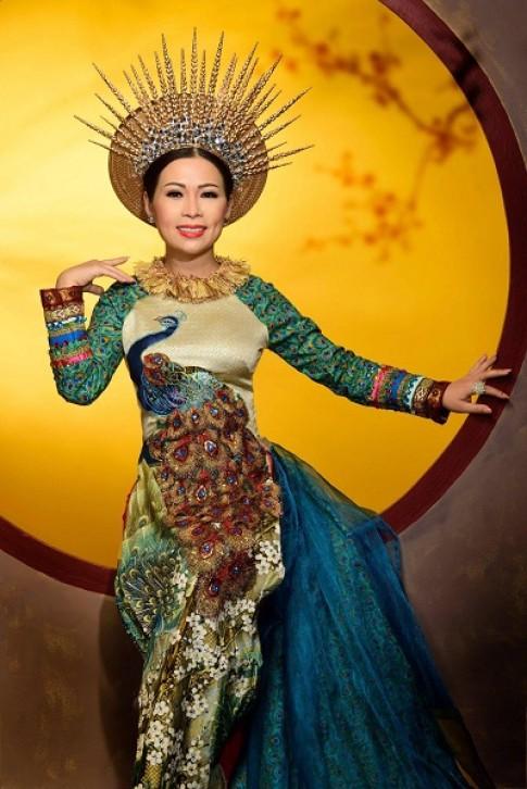 Hoa hậu Thảo Lâm quý phái trong trang phục áo dài
