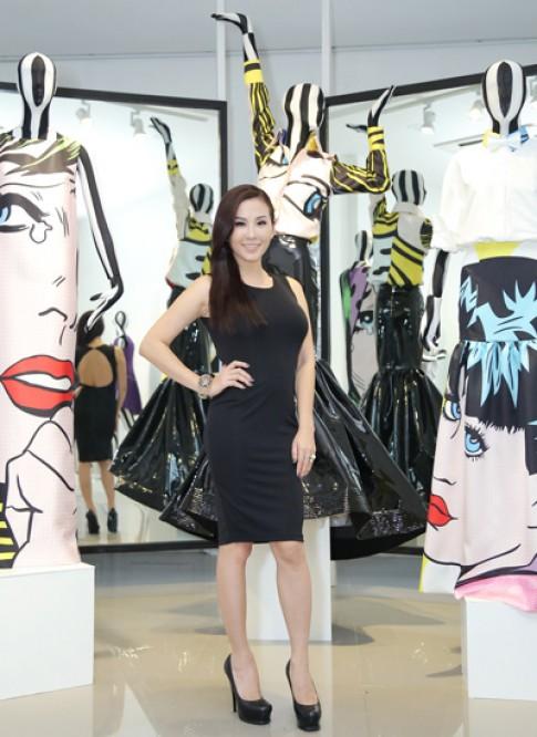 Hoa hậu Thu Hoài chọn váy cho mùa thu