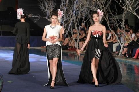 Hoa hậu Thùy Dung trình diễn catwalk