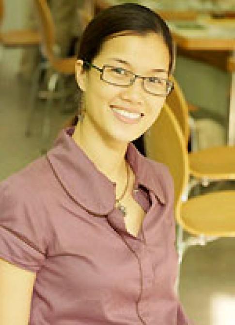 Hoa khôi Kim Oanh mong có sự nghiệp riêng