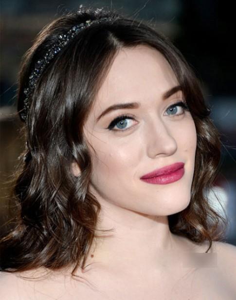 Hồng đào, hồng nude - màu son nổi trội ở People's Choice Awards