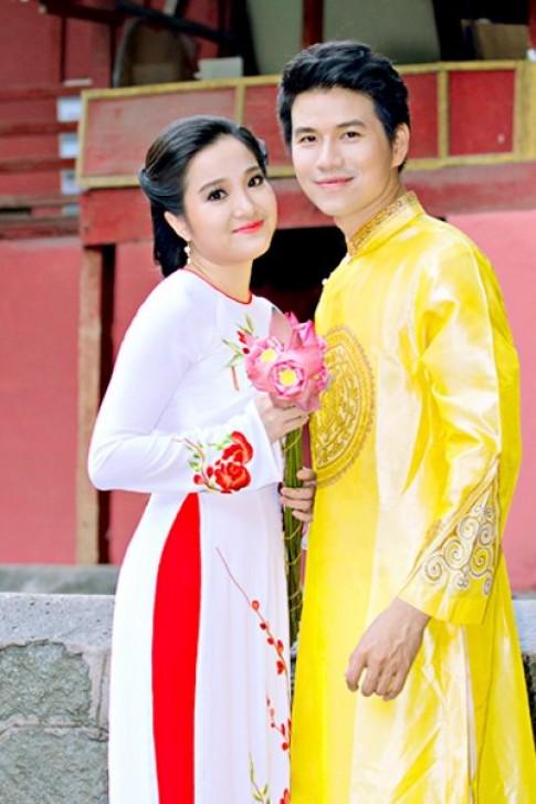 Hồng Phượng diện 3 áo dài xuân