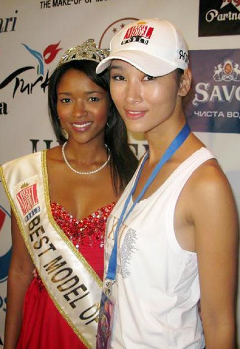 Huyền Trang giao lưu với Best Model 2009