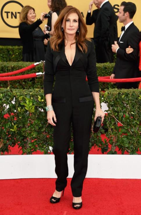 Julia Roberts giản dị trên thảm đỏ Lễ trao giải SAGS