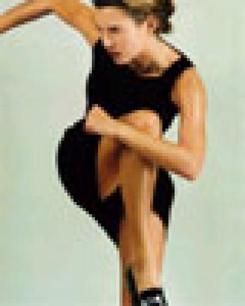 Kate Moss sinh con đầu lòng