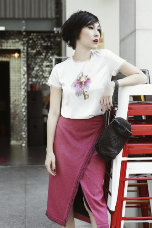 Kathy Uyên dạo phố với street style Kin Concept