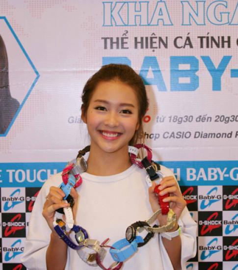 Khả Ngân sành điệu với đồng hồ Casio Baby-G