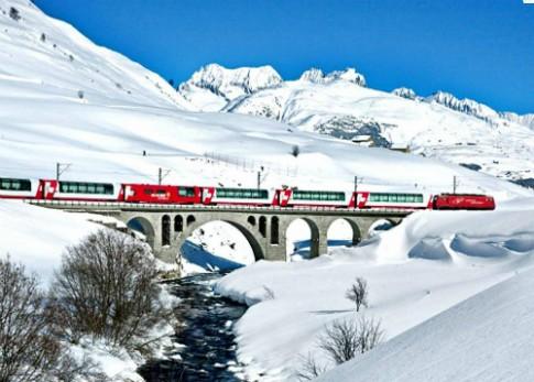 Khách Trung Quốc được ngồi riêng tàu hỏa vì thiếu ý thức