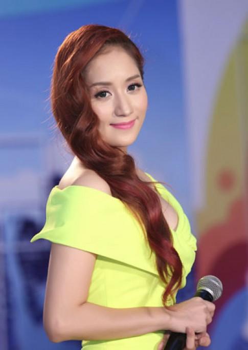 Khánh Thi, Trương Thị May trang điểm đẹp nhất tuần
