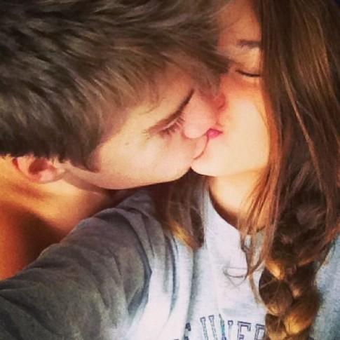 Khi còn trẻ, cứ nghĩ những người yêu nhau sẽ mãi ở bên nhau...