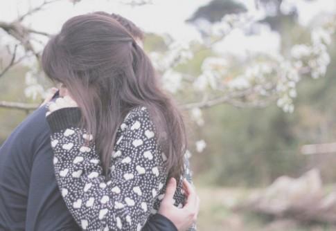 Khi em yêu một người đã chịu nhiều tổn thương...