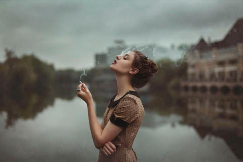 Khi phụ nữ đã quá quen với việc cô đơn, sẽ rất khó kéo họ ra khỏi đó...