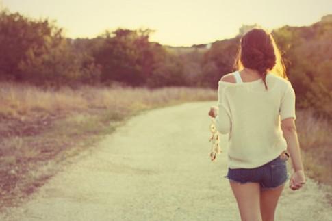 Không thuơng nhau được mãi thì ngay từ đầu đừng nói lời yêu...
