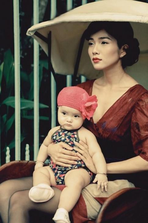 Kim Cương thể hiện hình ảnh bà mẹ đơn thân