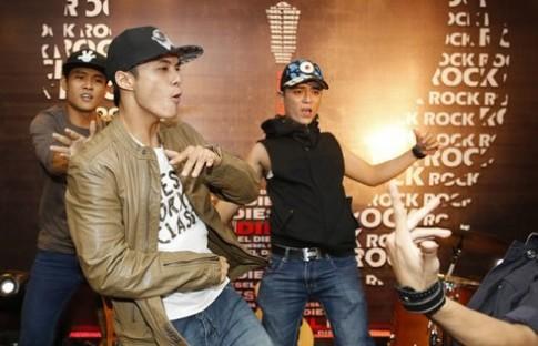 Lâm Vinh Hải nhào lộn trong đêm thời trang rock